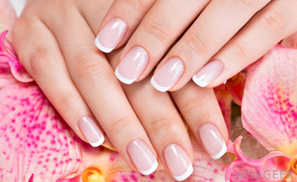 Malowanie i zdobienie paznokci do ślubu