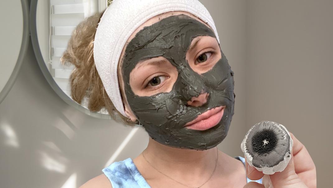 Maseczka na twarz z aktywnym węglem