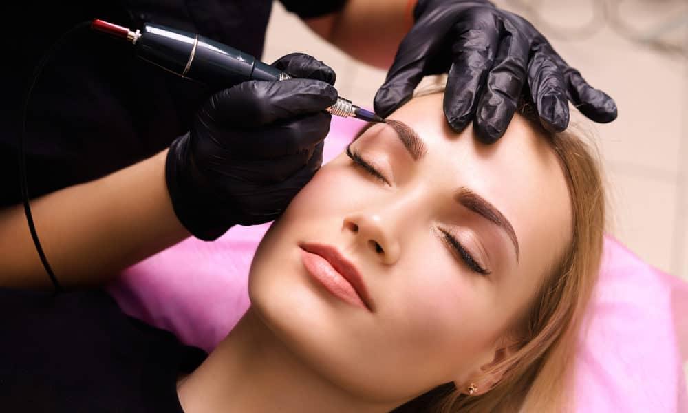Po co kobieta chodzi do kosmetyczki?